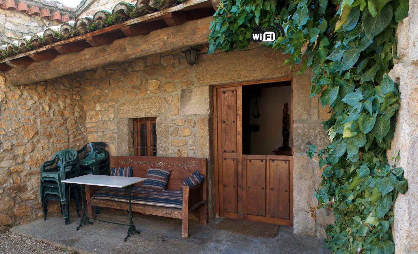 Disfruta de tu propia granja en una casa de labranza - Casas del monte casa rural ...